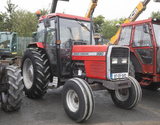 Lot 258 1987 registered Massey Ferguson 390 2WD tractor with 6,700 hours on the clock