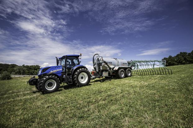 The New Holland T7 S Essential tractor range is now available in Ireland
