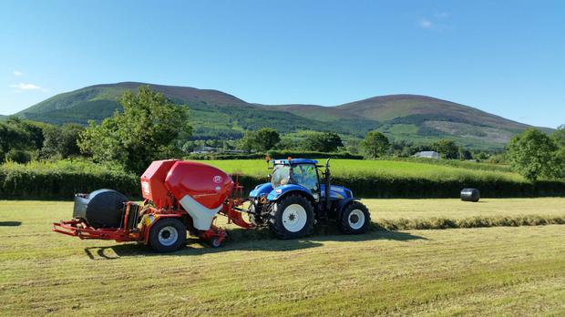 The Lely RPC 235 combi baler is now in its fourth season. New Holland is the tractor brand of choice for Thomas Maloney, with 12 tractors in the fleet.