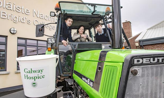 Cormac Porter Marie Flanagan and Alex Burns get ready for the St Brigid's College, Loughrea Tranistion Year Tractor Run PHOTO: KEVIN BYRNE