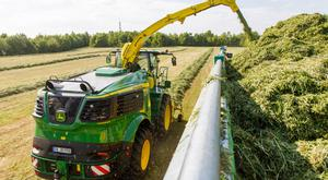 Deere's 9000 series foragers have a fresh new design and feature twin exhausts.