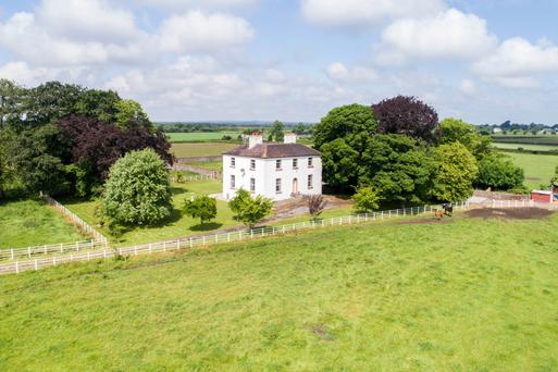 Cloneyhurke House on 56ac is located 8kms from Portarlington