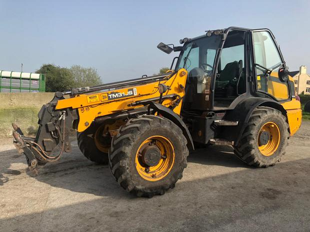 A 2010 JCB TM310S Loader with almost 7,000 hours sold for €30,500