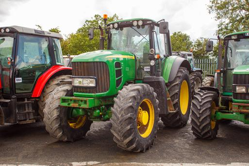 A 2007-registered John Deere 7530 Premium 4WD Tractor rated at 180HP and with 11,000 hours on the clock sold for €23,000 plus VAT.