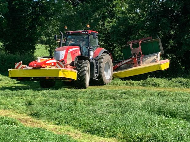 Roche Agri Contracting of Castlecomer in Kilkenny took a demonstration of the Pottinger A10 mower last year and opted to buy one, switching from their previous self propelled mowing system.
