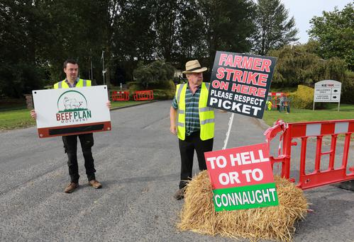 Taking a stand: Farmers outside the Kepak factory in Clonee, Co Meath during the Beef Plan Movement protest.