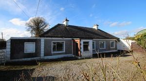 The bungalow on 8.5ac is located 3km from Trim, 4.5km from Athboy and is guided for private treaty sale at €395,000