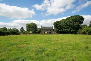 Moyne House dates back to the late 17th century and the former owner was a renowned greyhound man