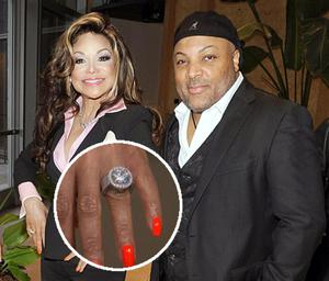 La Toya Jackson announced her engagement to business partnerJeffr Phillips and proudly showed of fher 17.5 carat diamond ring.