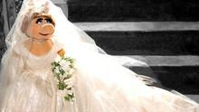 Oh Miss Piggy. Her wedding gown was designed by none other than Vivienne Westwood - lets hope her fate is better than Carries VW dress in the Sex and the City movie.
