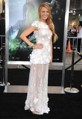 Wearing Chanel couture at the 2011 premiere of The Green Lantern. Just beautiful.