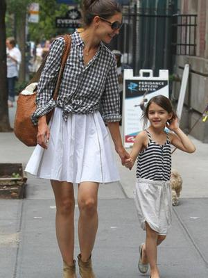 Suri is a real mini me of famous mom Katie Holmes.