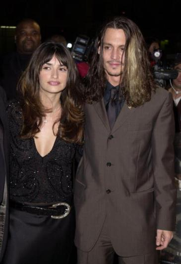 Penelope Cruz  Johnny Depp at the repmiere for Blow