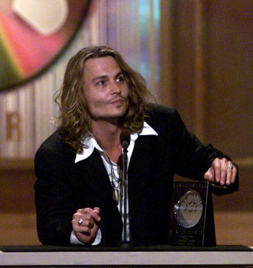 Johnny Depp accepts his award for Favorite Actor-Horror for his role in the film Sleepy Hollow in 2000