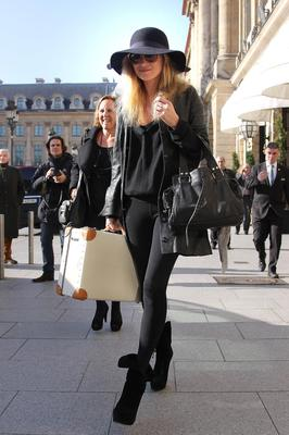 PARIS, FRANCE - MARCH 07: Kate Moss sighted on March 7, 2011 in Paris, France.  (Photo by Marc Piasecki/FilmMagic)