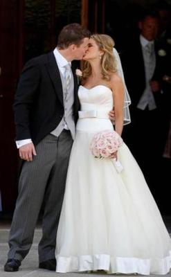 The couple: Amy Huberman and Brian O'Driscoll. The year: 2010. The dress: Stephanie Allin