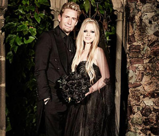 The couple: Avril Lavigne and Chad Kroeger. The year: 2013. The dress: A black gown custom-made by Monique Lhuillier