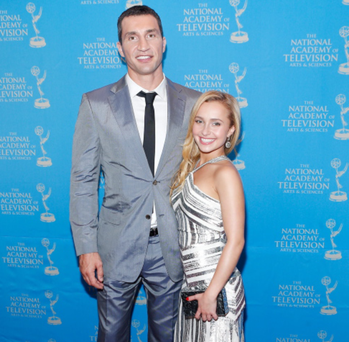 A 15 inch split separated 'Heroes' star Hayden Panettiere and her Russian professional boxer boyfriend, Wladimir Klitschko. The couple have an off again, on again relationship, and judging from this photo from the Annual Sports Emmy Awards, they are very much on again.