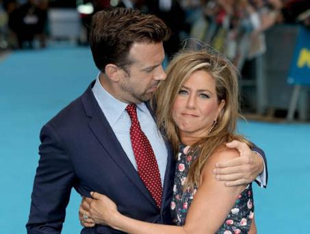 LONDON, ENGLAND - AUGUST 14: Jason Sudeikis and Jennifer Aniston attends the European premiere of 'We're The Millers' at Odeon West End on August 14, 2013 in London, England. (Photo by Tim P. Whitby/Getty Images)