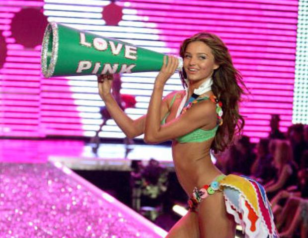 Model Miranda Kerr walks the runway during the Victorias Secret Fashion Show held at the Kodak Theatre on November 16, 2006