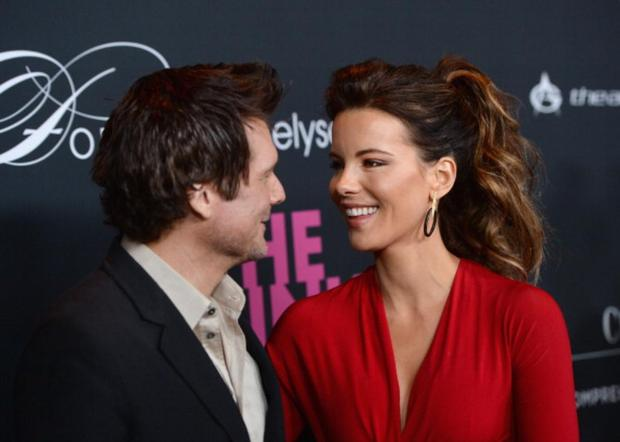 SANTA MONICA, CA - OCTOBER 19: Len Wiseman and Kate Beckinsale attend The Pink Party 2013 at Barker Hangar on October 19, 2013 in Santa Monica, California. (Photo by Jason Kempin/Getty Images for Cedars-Sinai Women's Cancer Program)