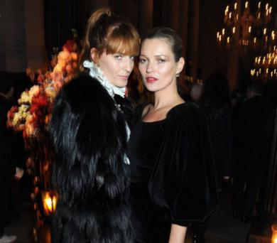 LONDON, ENGLAND - OCTOBER 17: Florence Welch and Kate Moss attends the Alexander McQueen and Frieze Dinner to celebrate the Frieze Art Fair 2013 on October 17, 2013 in London, England. (Photo by David M. Benett/Getty Images for Alexander McQueen)