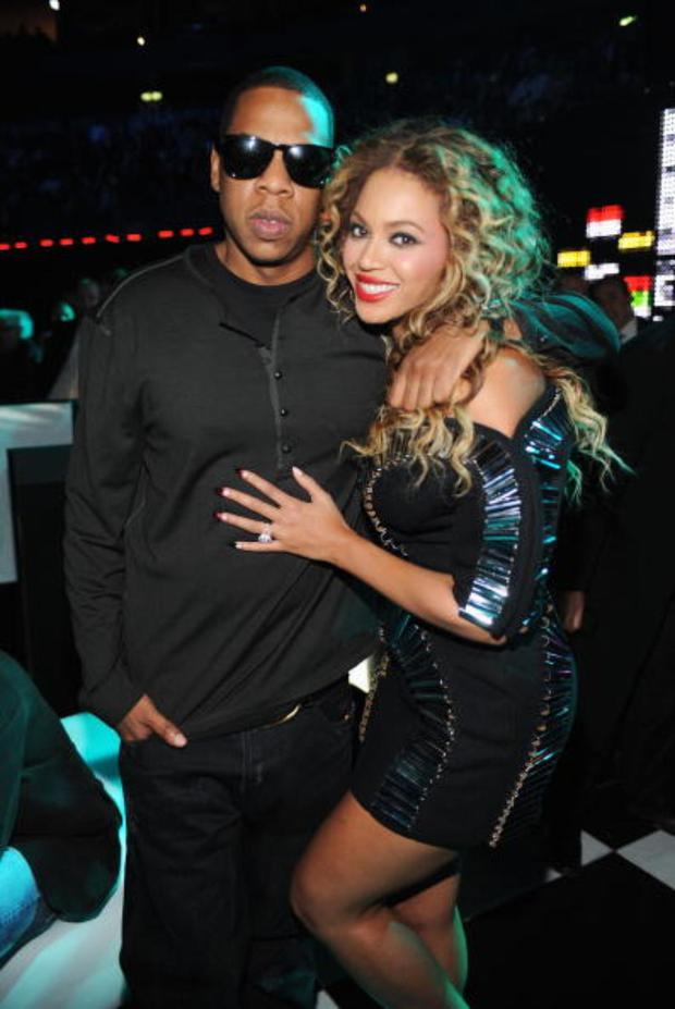 Jay-Z and Beyonce poses backstage during the 2009 MTV Europe Music Awards