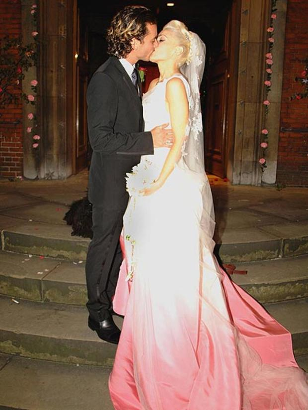 Gwen Stefanis pink dip dye gown suited the punk girl down to a T for her 2002 wedding to Gavin Rossdale