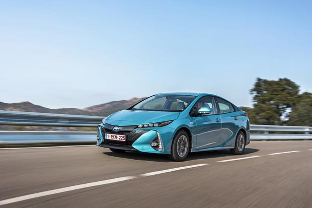 Toyota recalls 2.4 million Prius and Auris hybrids over stalling