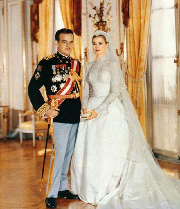 The couple: Grace Kelly (Princess Grace of Monaco) and Prince Rainier. The year: 1956. The dress: Costume designer Helen Rose
