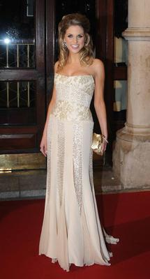 Amy looks polished and sophisticated in this grown-up gown by Irish couturier Synon O'Mahony at the IFTA Awards 2008.