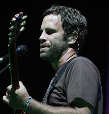 The American singer-songwriter and surfer Jack Johnson has a solid following in the States and organises a music festival in Hawaii each year.