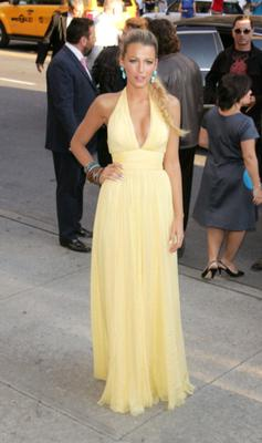 Blake rocks a Gucci yellow gown with turquoise Lorraine Schwartz jewels.(Photo by Jim Spellman/WireImage)