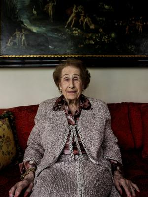 99-year-old Irene Bergman, financial adviser at Stralem & Co., sits for a photograph at her home in New York, U.S., on Saturday, May 30, 2015. As one of the oldest working professionals in an industry run by men half her age, Bergman offers a rare perspective. She recalls the small private firms founded by German Jews of the 19th century that came to define Wall Street before their partnership model gave way to public listings, and honor succumbed to an ever-fiercer push for profit. Photographer: Chris Goodney/Bloomberg