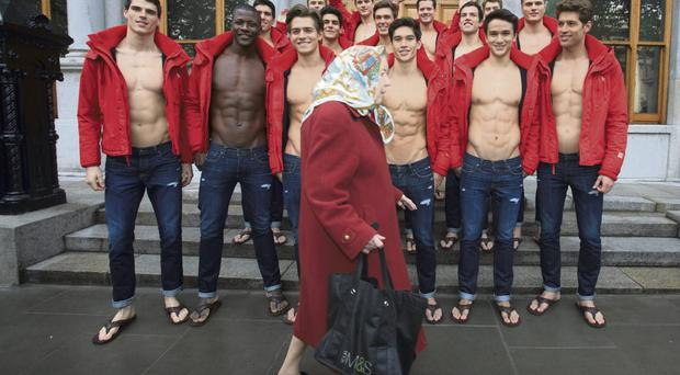 Find a hollister in Northern Ireland on Gumtree, the #1 site for Men's Clothing for Sale classifieds ads in the UK.