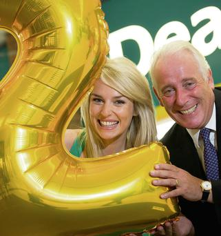 Dealz CEO Jim McCarthy with model Pippa O'Connor.