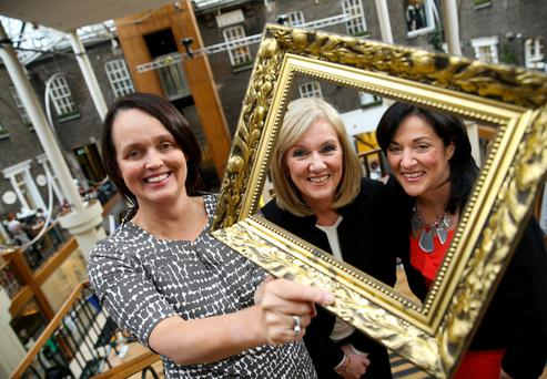 Pictured at Powerscourt Townhouse Centre are (L-R) Julie Fenton, Partner at EY, Sandra Lawler, Director at Alternatives and finalist of the EY Entrepreneur of the Year programme 2006, and Anne Heraty, CEO of Cpl Resources and Chairperson of the EY Entrepreneur Of The Year judging panel.