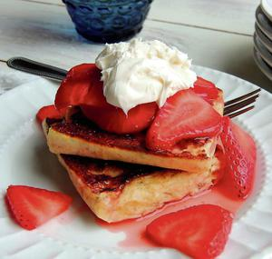 Ooh La La: Strawberries with cream and a little French toast