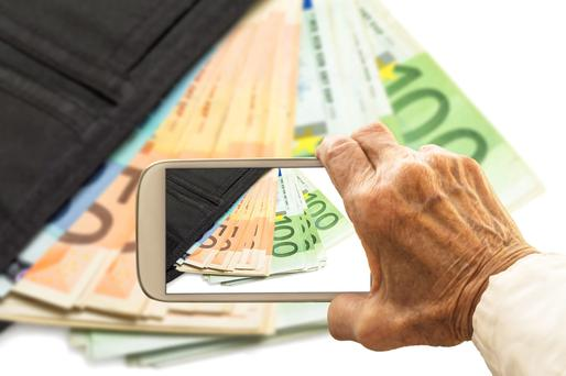 You could save a couple of hundred euros by switching networks