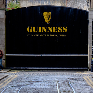 Diageo, which owns Dublin's Guinness brewery, is to introduce 26 weeks paid paternity leave in Ireland.