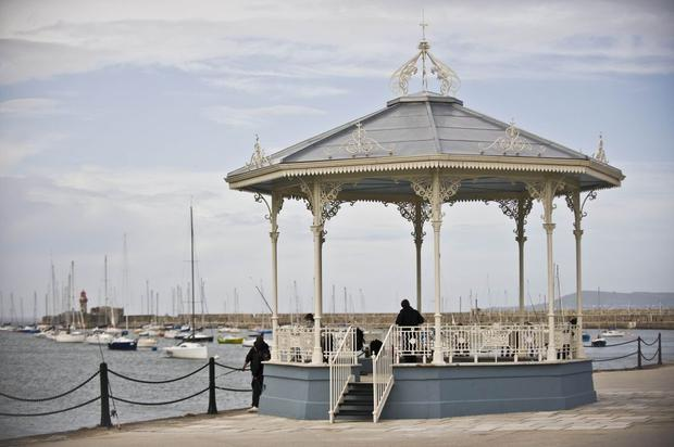 The elegant pavillion on the east pier