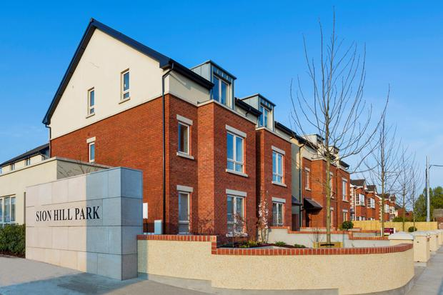 Due to the close proximity to the city, Sion Hills has proved popular; in fact six of the first twenty were sold off plan