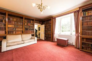 Glendalough House reading room