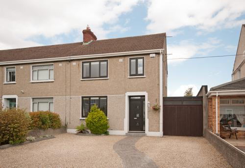 56 Hillsbrook Avenue, Perrystown, Dublin 12. Sold for €410,000.