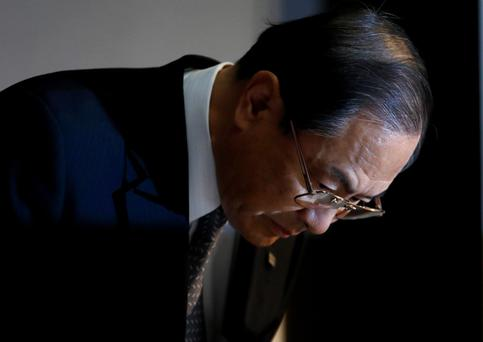 Masashi Muromachi, who took over as Toshiba president this year, bows during a news conference in Tokyo last week. Photo: Bloomberg