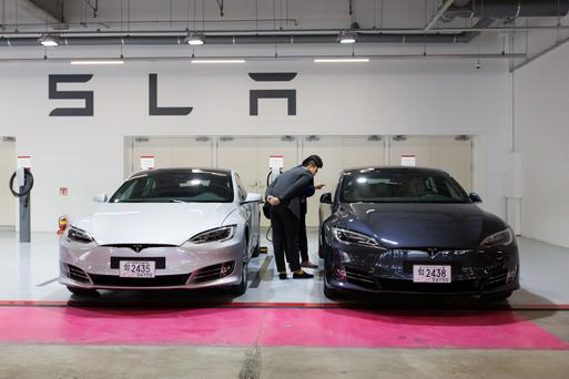 First-half sales of plug-in electric cars in the US totaled fewer than 90,000 units against 8.4m total vehicle sales