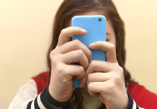 Education: Parents need to talk about new apps on their children's phones