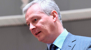 French Finance Minister Bruno Le Maire has vowed to fight the US tech giants on behalf of the developers selling apps via US firms' online stores