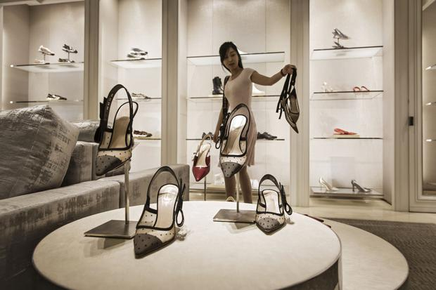 The government's move on tariffs will give Chinese shoppers more access to foreign brands. Photo: Bloomberg