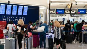 Airline routes between the EU and USrebounded to almost 50pc of pre-pandemic levels after Brussels chose to let in fully vaccinated Americans in June. Photo: Elijah Nouvelage/Bloomberg